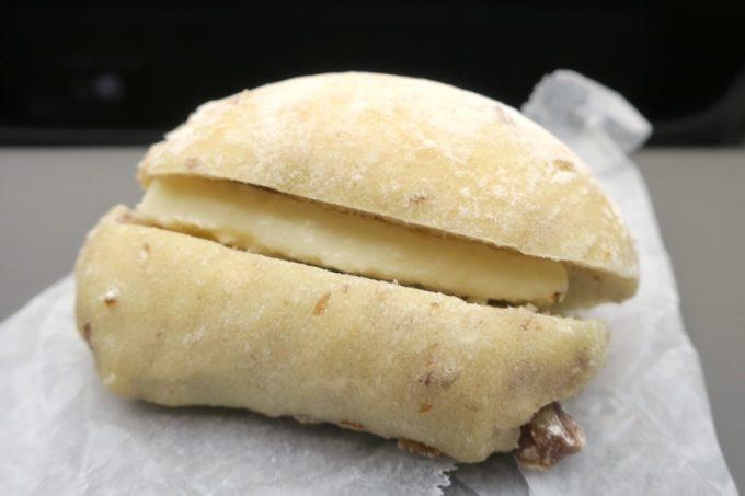 「hoppepan(ほっぺパン)」の栗のリュスティック塩バターサンド(180円)