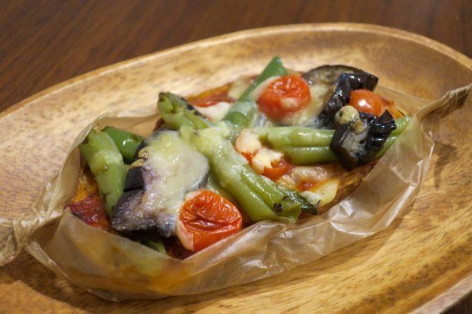 「いまいパン 古島店」の季節野菜のタルティーヌ(320円)