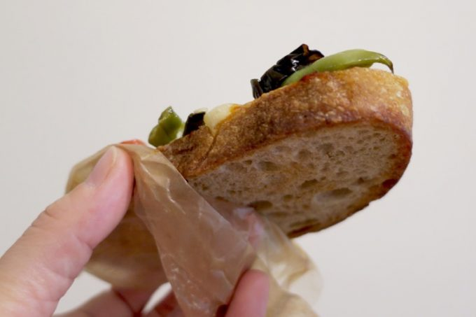 タルティーヌは、いまいパンのおいしいバゲットが土台になっている。