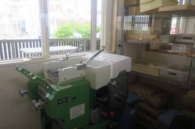 店内にある製麺機。