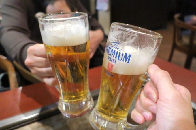 「櫓家(やぐらや)」のたる生ビールはプレミアムモルツ(生中、550円)だった。