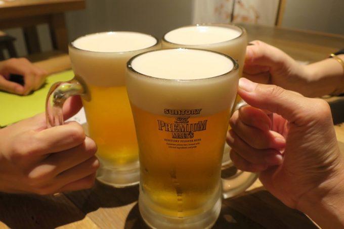ビールはプレミアムモルツ(580円)