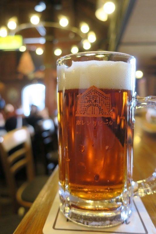 「函館ビヤホール」函館赤レンガビール(小ジョッキ、670円)