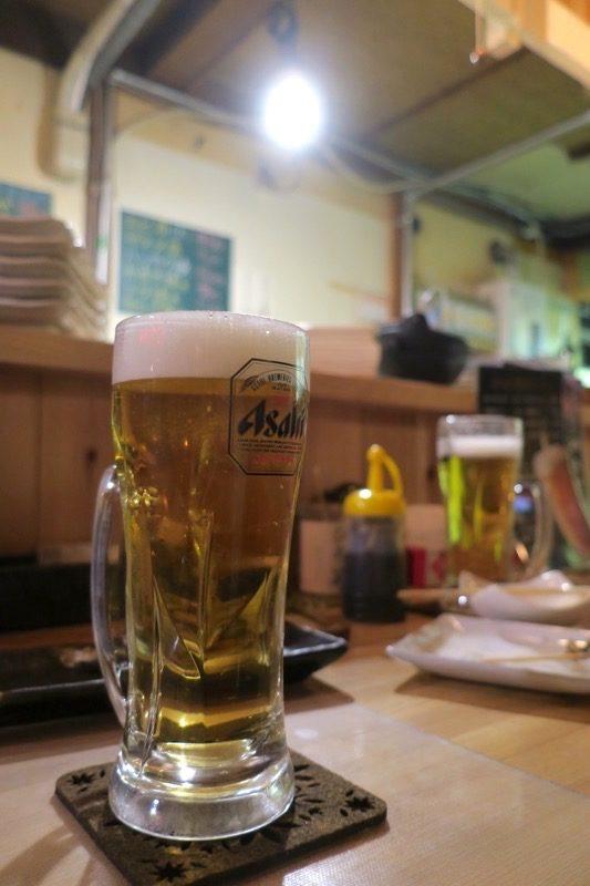 函館・大門「やきとり居酒屋 ひろ笑(ひろみ)」でビールをおかわり。