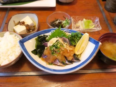かつおたたき定食(800円)