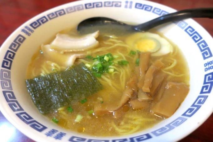 宜野湾「一番餃子」特製醤油ラーメン(500円)