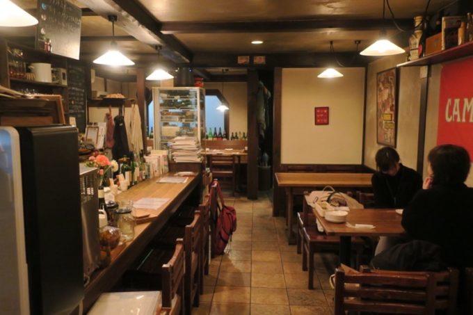 函館・梁川町「かぜまちん」の店内。「幅=」 680
