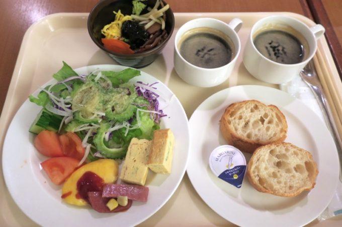 「リザンシーパークホテル谷茶ベイ」のレストラン谷茶ベイの朝食ブッフェで取りわけてきた食事(2019年1月)