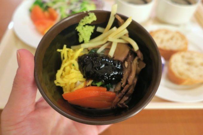 「リザンシーパークホテル谷茶ベイ」のレストラン谷茶ベイの朝食ブッフェで食べた鶏飯がおいしかった(2019年1月)