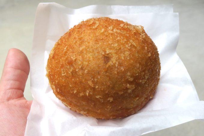北中城「欧風カレー喫茶 フランクリン」のカレーパン(250円)