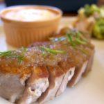 「mama's cafe ShiShi(ママズカフェシシ)」で食べた塩豚ステーキ。