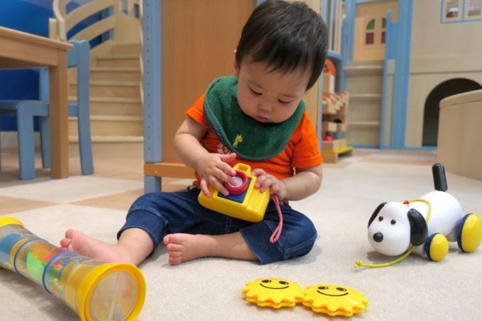 比較的年齢が低めのこどもでも楽しめるおもちゃが揃っている。