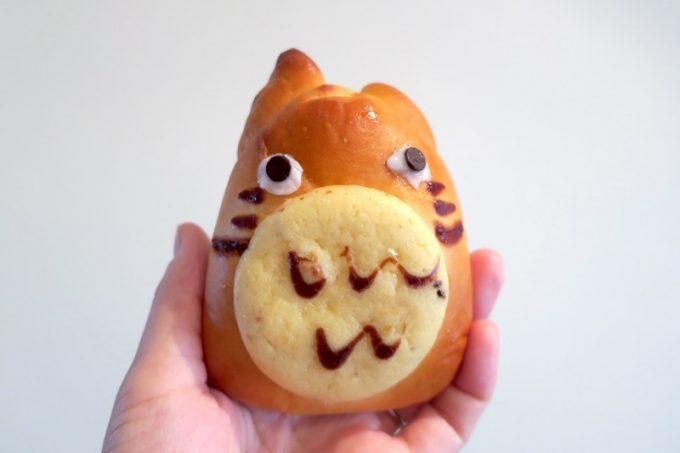 名護「パンチョリーナ」の人気キャラクター風のクリームパン(168円だったかな)