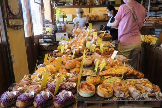 「パンチョリーナ」のパンは様々で、どれを購入するか目移りしてしまう。
