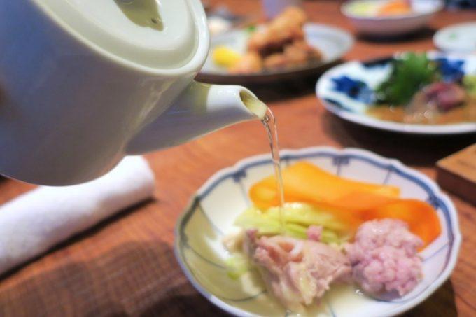 お出汁のような「とり田 博多本店」の黄金ぽん酢がウマい。