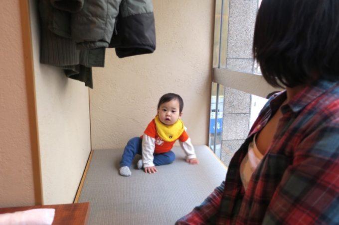 子連れで予約したためか、空きスペースがついた客席に案内してもらった。