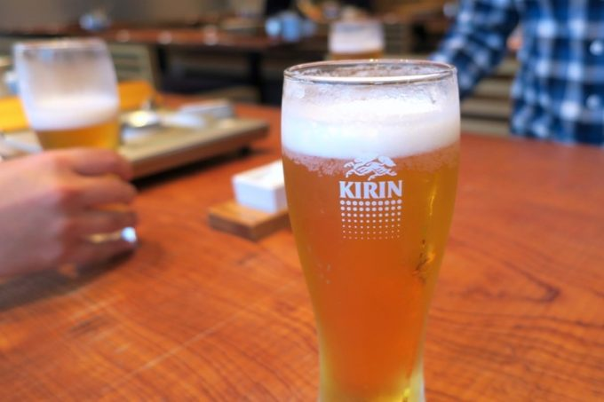 「とり田 博多本店」の樽生ビールはキリン一番搾り(580円)。