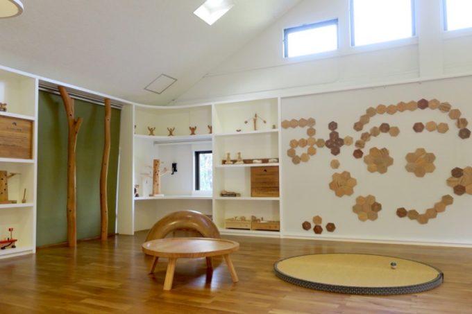 「やんばる森のおもちゃ美術館」の館内の様子(その1)