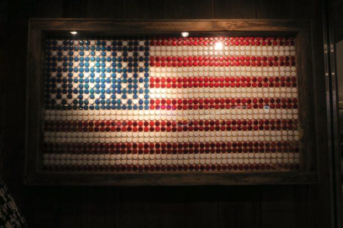 「アンテナアメリカ横浜店」の店内にアメリカ国旗があると思ったら...