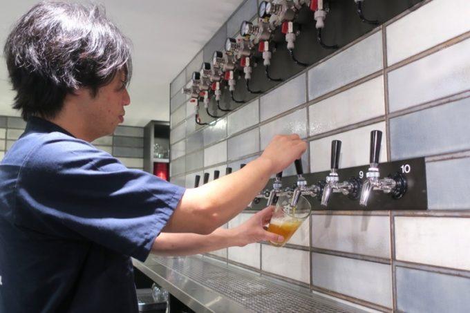 「アンテナアメリカ横浜店」でビールを注文してみた。