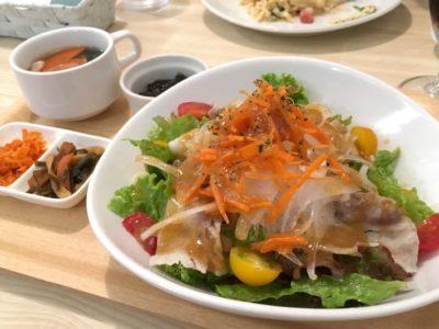 那覇・久茂地のごはんどころ「Chim×Chim(チムチム)」で食べた、冷しゃぶサラダそば(980円)