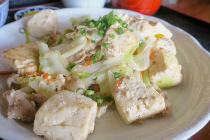 島豆腐たっぷり!ゴロゴロの大きなカットも嬉しい。