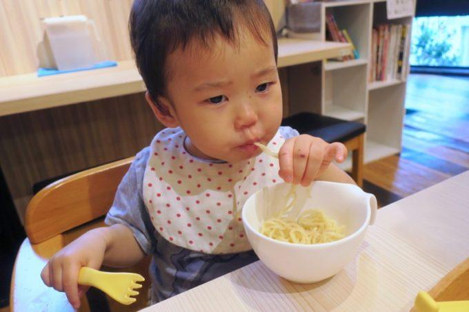 麺好きのお子サマー(1歳児)にも実食いただく。