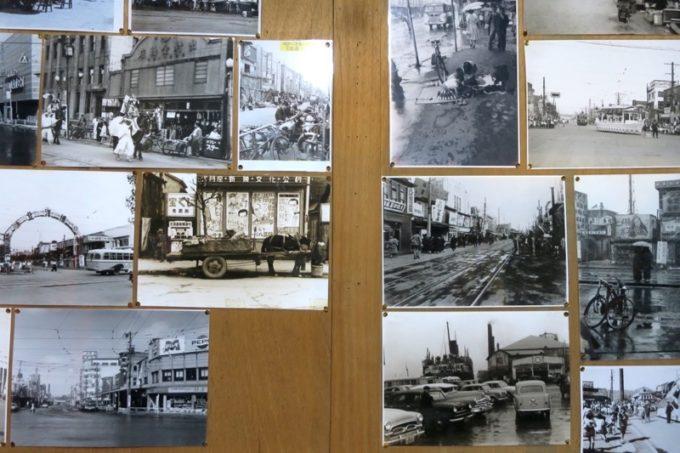 店内には、昔の大門周辺のモノクローム写真。