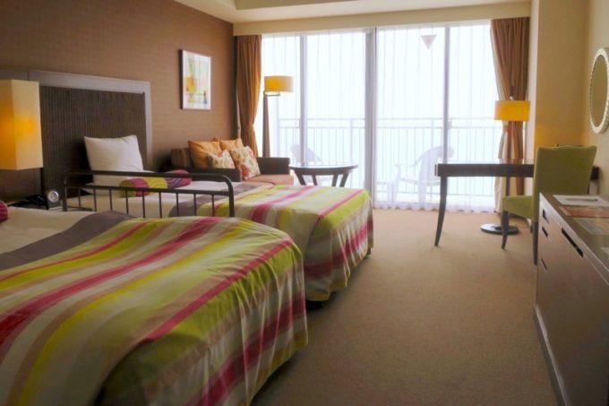 糸満「サザンビーチホテル&リゾート沖縄」9階のプレミアムクラブ・オーシャン・グランデに滞在した。