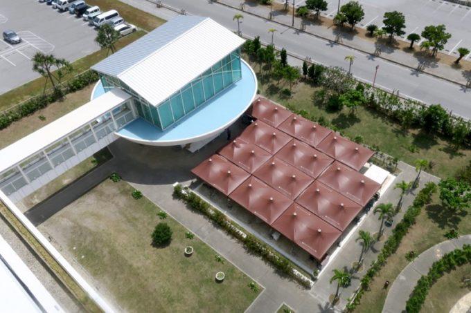 糸満「サザンビーチホテル&リゾート沖縄」の結婚式会場とガーデンバーベキュー。