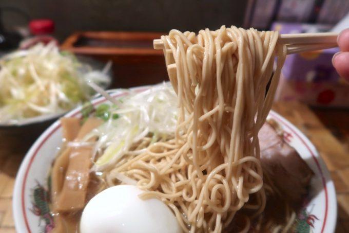 那覇市牧志「天神矢」マッハパンチラーメン(750円)の細麺はハリパツだった