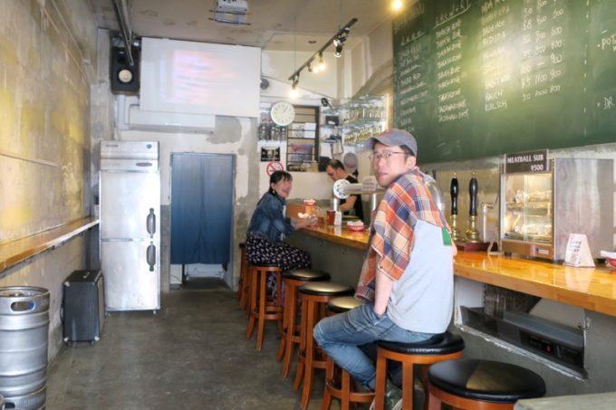「THRASHZONE MEATBALLS(スラッシュゾーンミートボール)」の店内に入ると、メタルマスター勝木さんがいた!