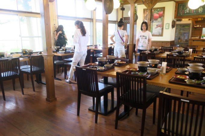 沖縄・今帰仁「あいあいファーム」農家の食卓というレストランで朝食をいただく。