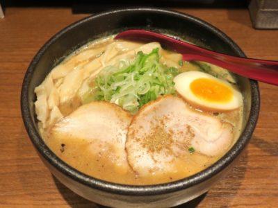 元祖さっぽろラーメン横丁「焙煎舎」の味噌らーめん(800円)。