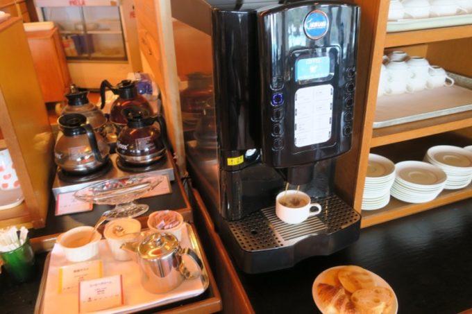 「リザンシーパークホテル谷茶ベイ」のレストラン谷茶ベイの朝食ブッフェの様子(その5)。
