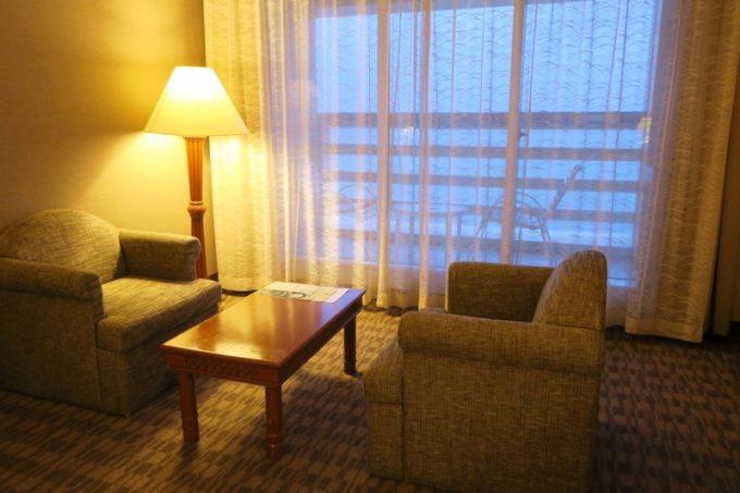 「リザンシーパークホテル谷茶ベイ」オーシャンビュースタンダードツインの窓際。