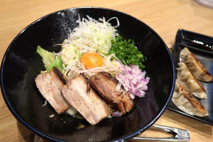 沖縄市「麺家しゅんたく」油そば(820円)