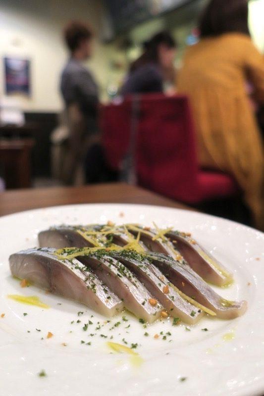 札幌・すすきの「オステリア大和亭」サバのビネガーガーリック風味(900円)