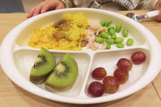 「コンフォートホテル札幌すすきの」で食べたある日のこども用朝ごはん。