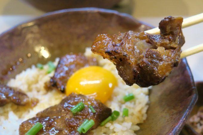 那覇・前島「いしぐふー前島店」あぶり丼のあぶりソーキがとろとろプルプルでうまい。