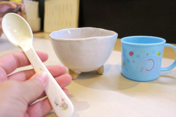 那覇・前島「いしぐふー前島店」子ども用のカラトリー・食器を貸し出してくれた。
