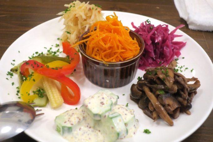宜野湾「加藤食堂」クリュディテ野菜の前菜 5種盛り合わせ