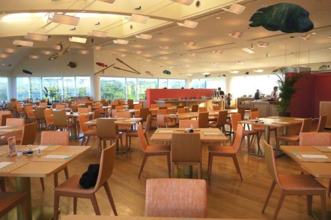 本部町「マリンピアザオキナワ」の朝食は、3階レストラン「ブリーズ」でいただいた。