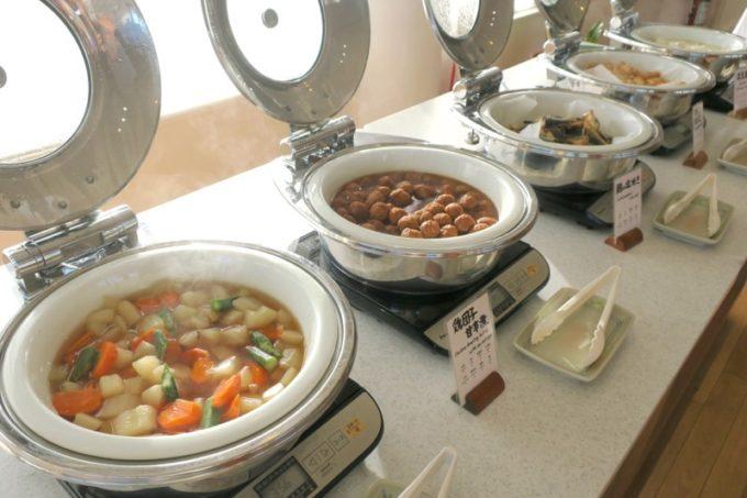 本部町「マリンピアザオキナワ」の朝食会場の様子(その1)