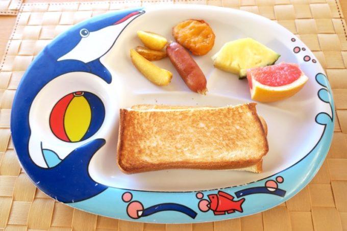 本部町「マリンピアザオキナワ」で食べた朝食ビュッフェ(こども用)