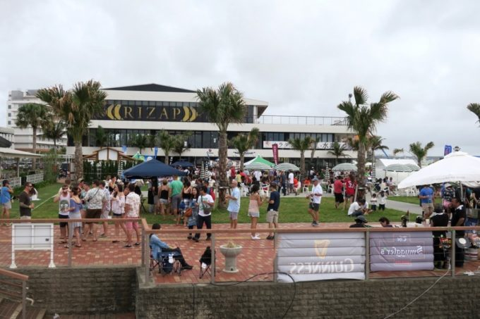 沖縄・北谷「Okinawa Octoberfest 2017(沖縄オクトーバーフェスト2017)」北谷フィッシャリーナに戻ってきた時の優越感はこの上ない。