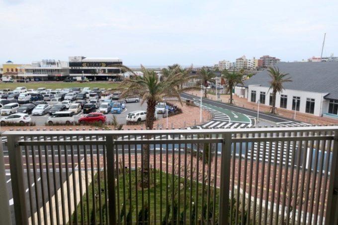「ラ・ジェント・ホテル沖縄北谷」コンフォートツイン(3階ベランダ)からの眺め。