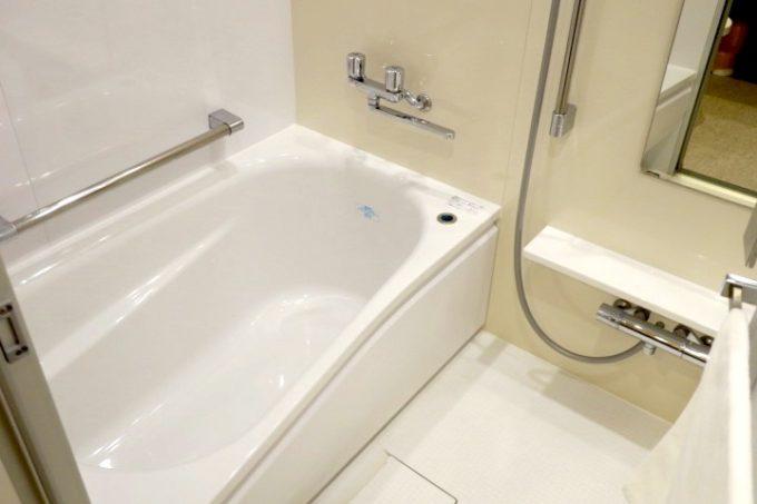「ラ・ジェント・ホテル沖縄北谷」コンフォートツインのバスルーム。