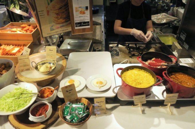 「ラ・ジェント・ホテル沖縄北谷」併設レストラン「ALLY's 沖縄 」モーニングビュッフェのライブキッチン。