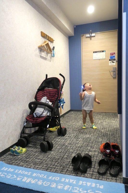 「ラ・ジェント・ホテル沖縄北谷」コンフォートツインの入り口部分の幅が広くて何かと便利。
